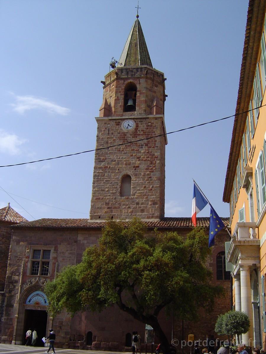 La cathédrale, centre historique de Fréjus
